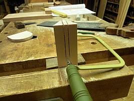 Tragsäule schlitzen für den Pultverbinder