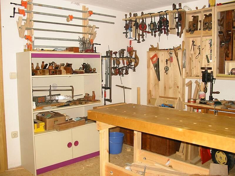 holzbearbeitung mit handwerkzeugen werkstatt. Black Bedroom Furniture Sets. Home Design Ideas